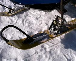 Лыжи на снегоходе
