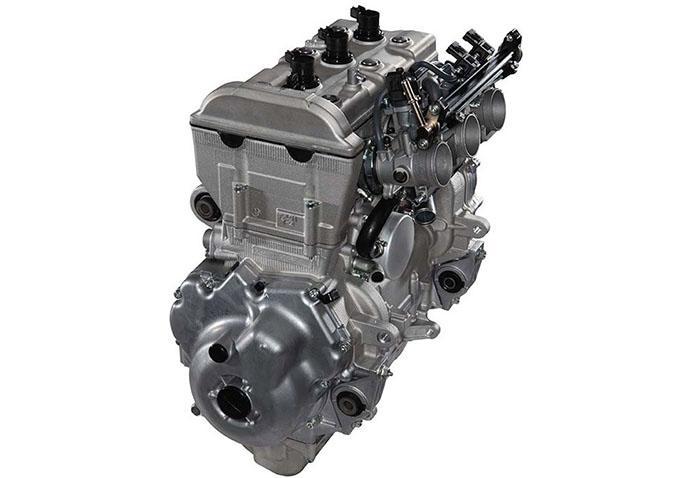 И Arctic Cat Bearcat 7000 XT и Yamaha VK Professional II оснащены четырехтактным двигателем Yamaha 1049cc.