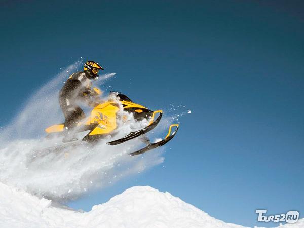 фото катание на снегоходах