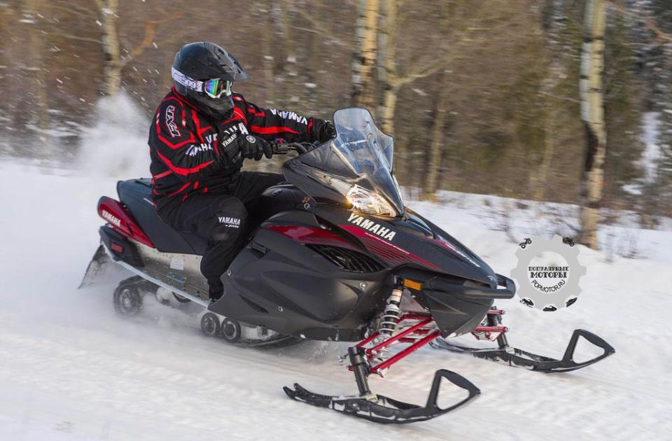 Усилитель руля и новые лыжи Yamaha Tuner Dual Keel улучшают управляемость и устойчивость Vector на снегу.