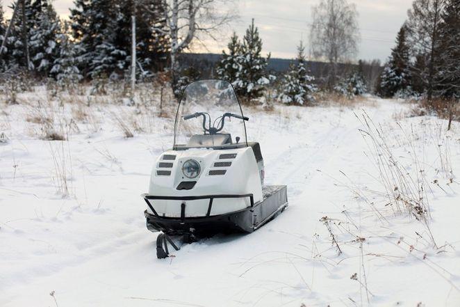 снегоход буран зимой