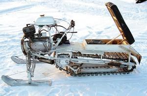 снегоход на гусенице