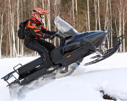 Подъем в гору на снегоходе Yamaha Viking