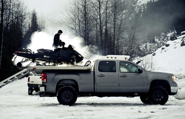 Выбираем снегоход с двух или четырехтактным двигателем